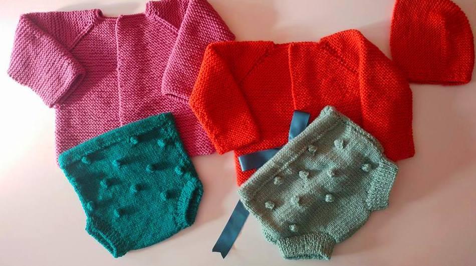 Ropita para bebés hecha a mano, de punto en Valencia