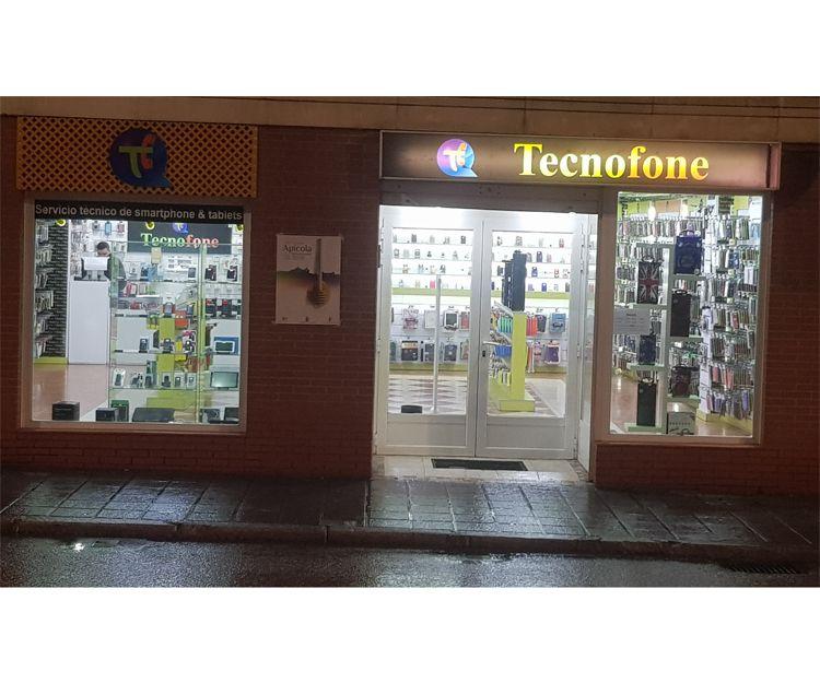 Fachada de la tienda de móviles en Guadalajara