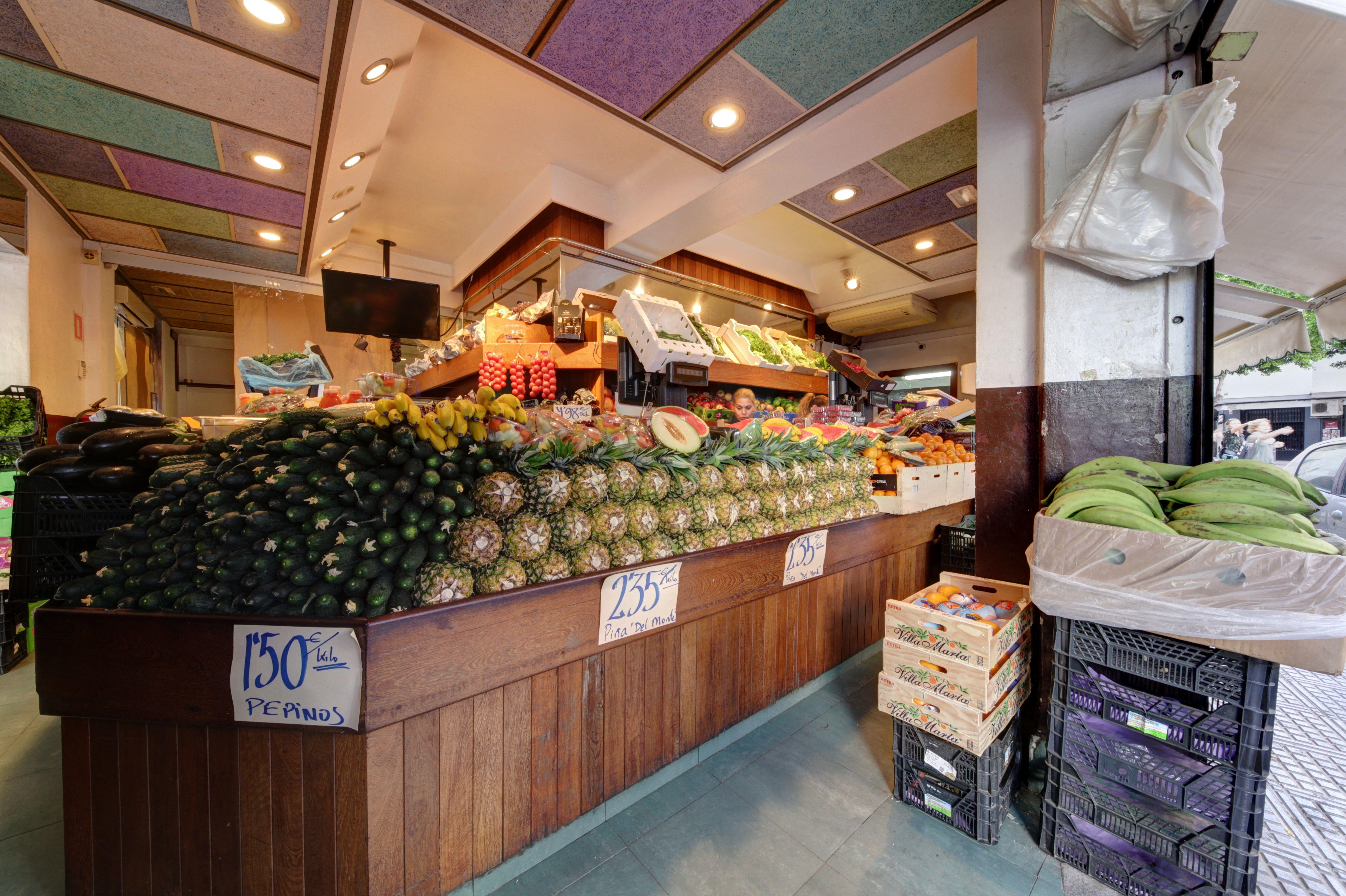 Futas y verduras frescas en Ibiza