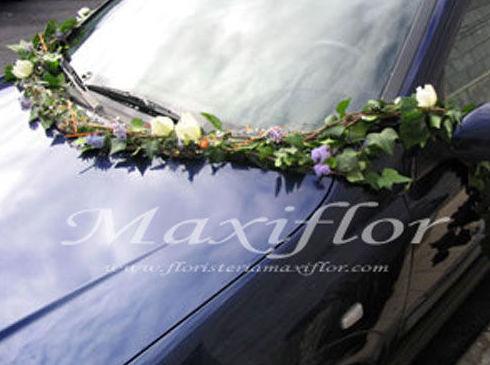 Decoración con flores de coches para bodas