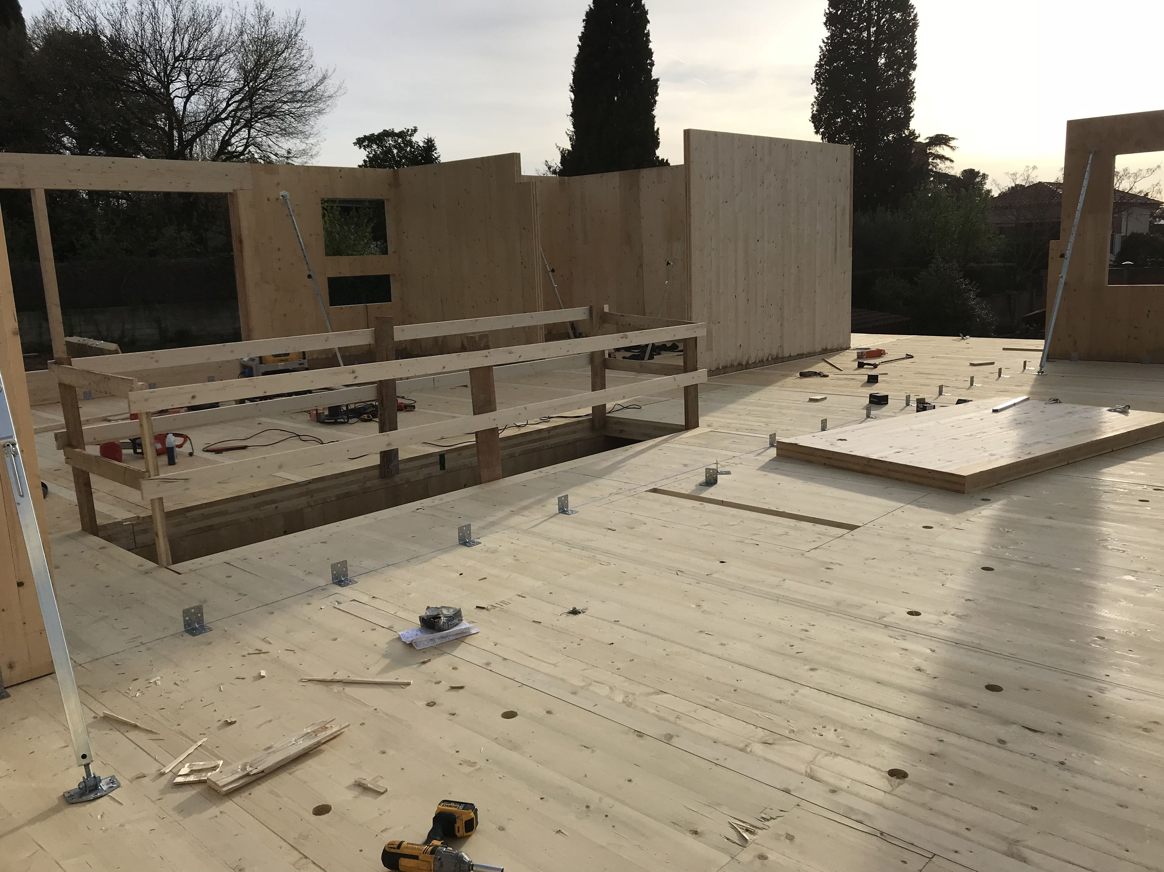 Montaje casa de madera contra laminada