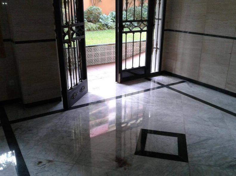 Limpieza y mantenimiento de todo tipo de suelos