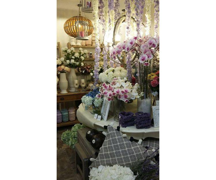 Flores artificiales en Zaragoza