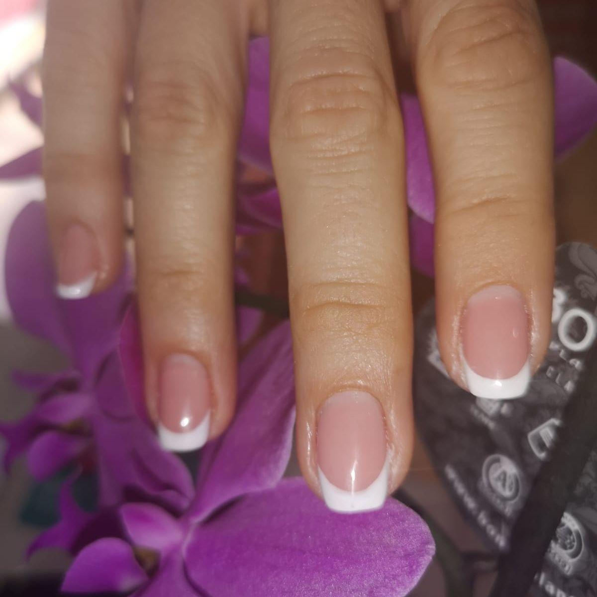 Manicura francesa semi permanente: unas uñas perfectas!