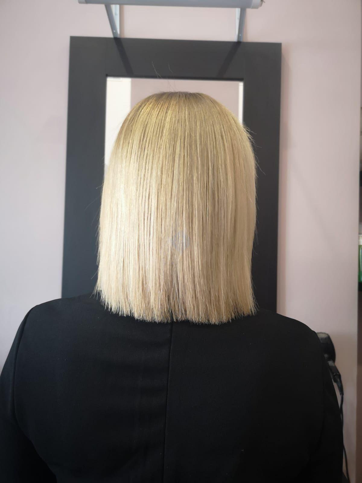 Extensiones de cabello y mechas para una medio melena espectacular.