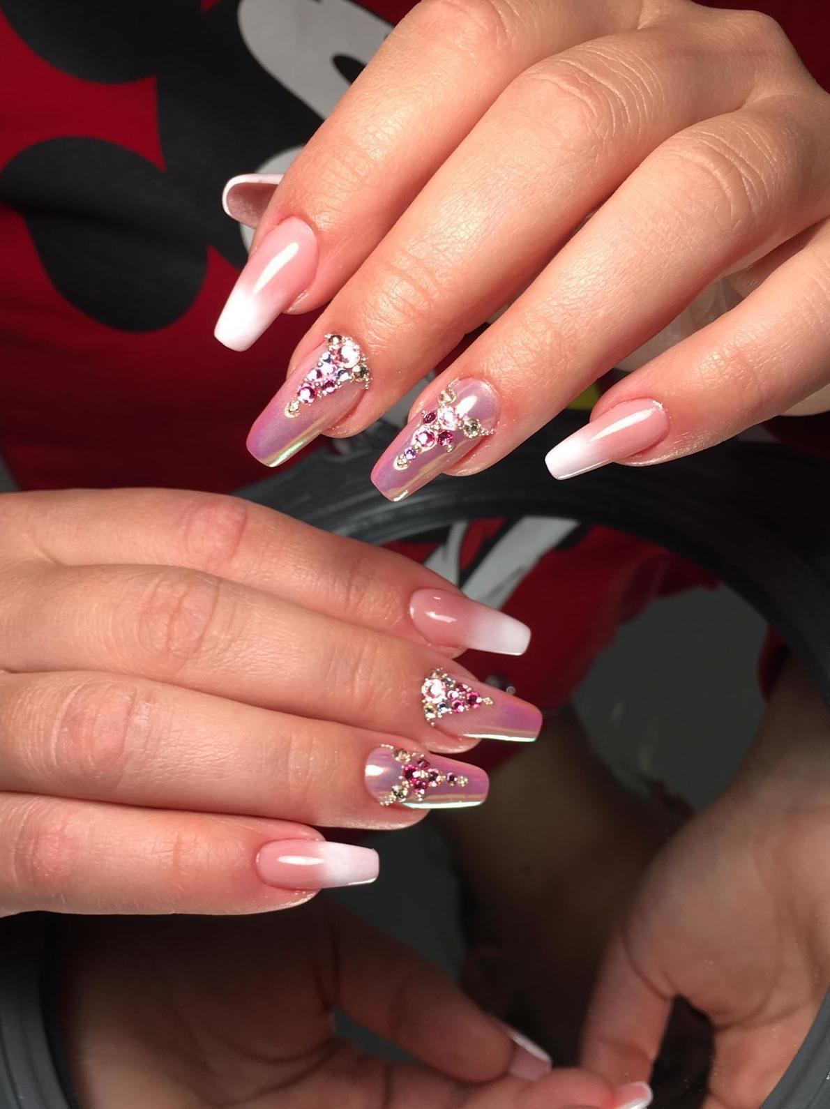 La mejor opción para lucir una manicura perfecta, las uñas de gel.  Khrystuna Karasenko especialistas en manicura.