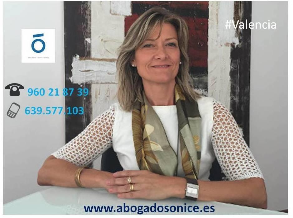 ¿Qué debemos conocer referente al cambio de la LOPD? by Carmen Villalobos de Ónice Abogados Valencia