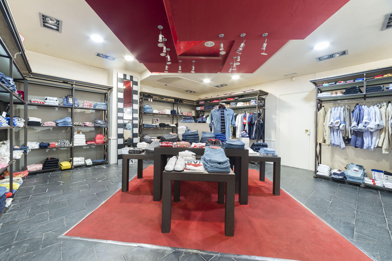 Firmas de moda joven en la boutique de moda de Alicante