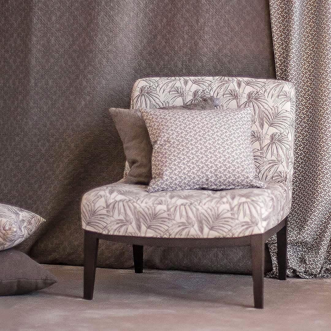 Telas para tapizar en alcobendas ka internacional for Telas para sillones