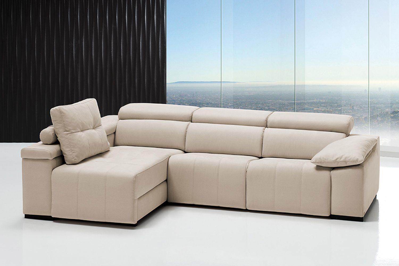 Sofá tapizado en piel de color