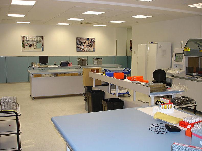Imagen de la reforma de un laboratorio en Barcelona