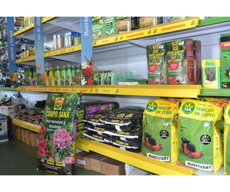 Insecticidas y herbicidas para la agricultura y la jardinería en Alicante