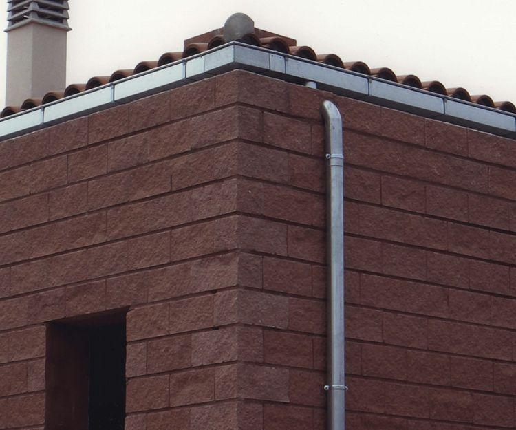 Instalación de canalones de acero galvanizado en Valencia