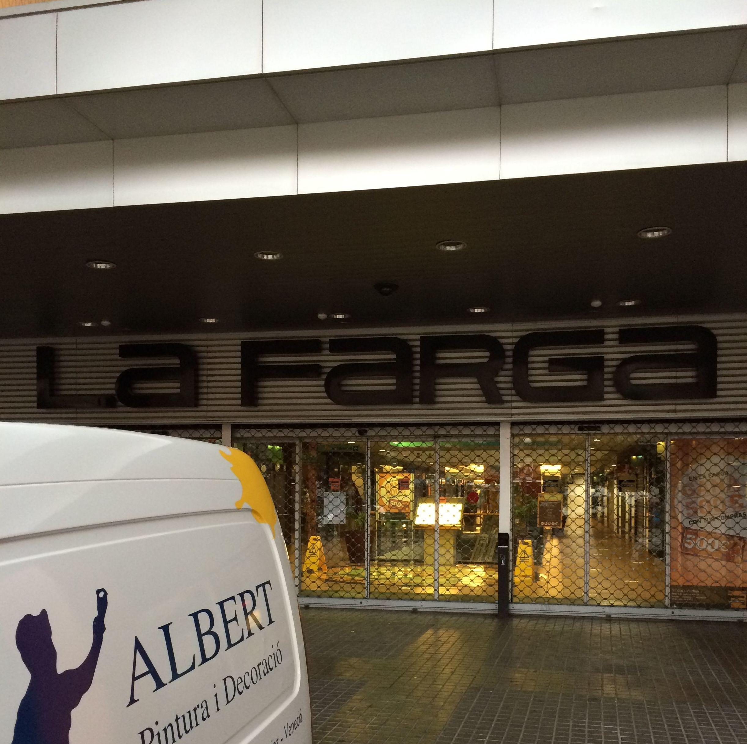 Mantenimiento de las instalaciones,  Centro comercial  LA FARGA