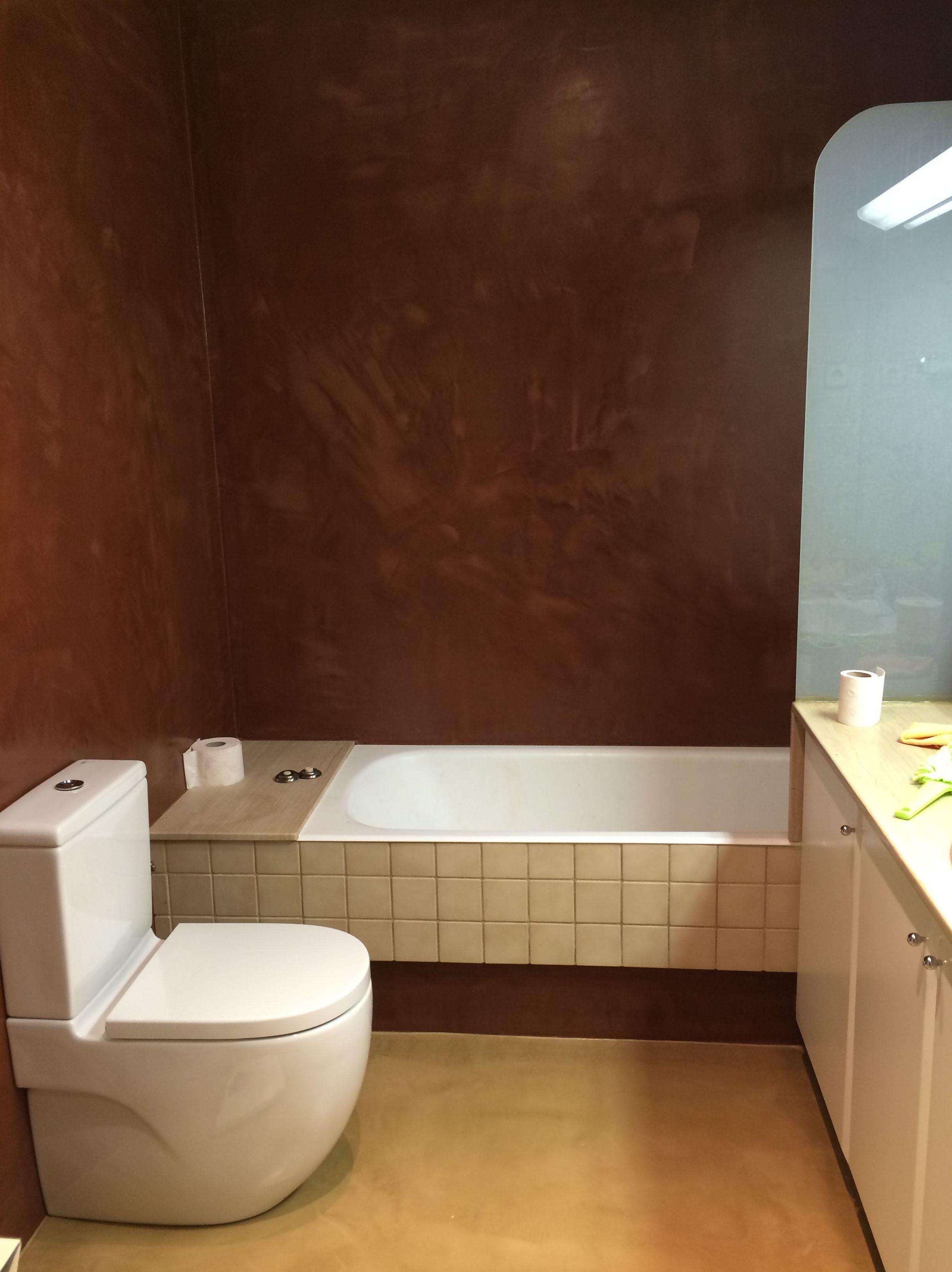 Acabados de micro-cemento en suelo y paredes ,en satinado