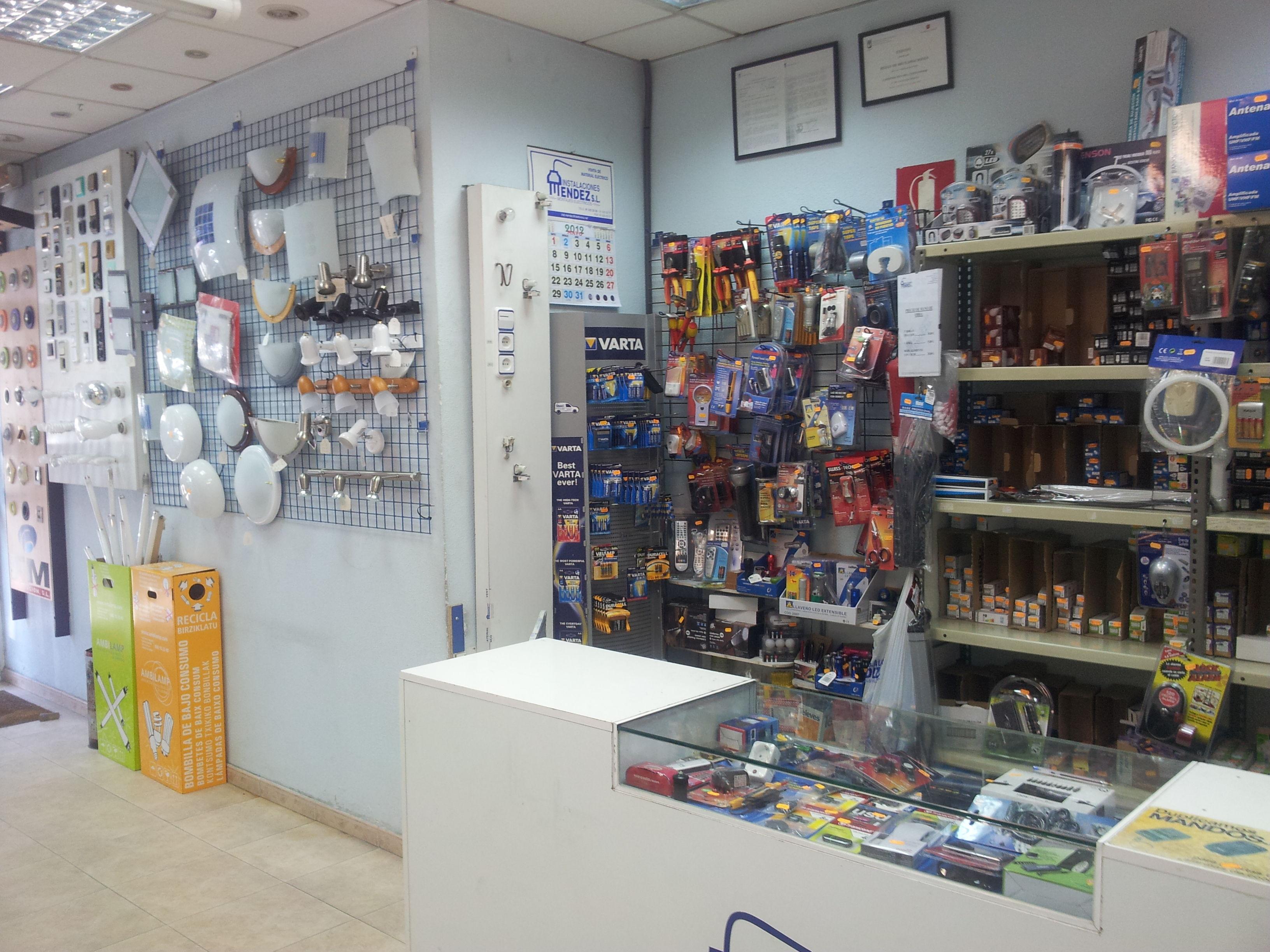 Foto 121 de Electricidad en Madrid | Instalaciones Méndez, S.L.