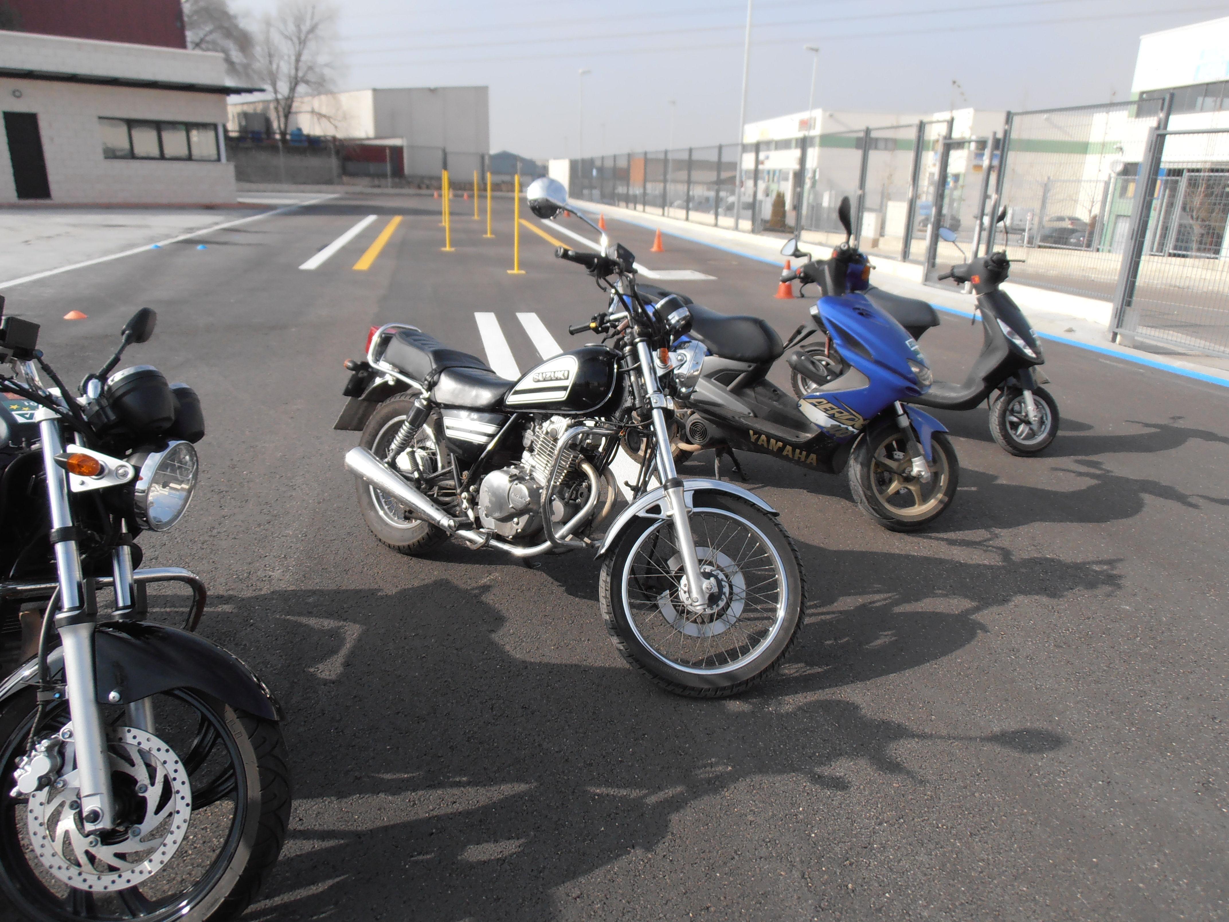 SUZUKI GN 250 cc. - PERMISO A2