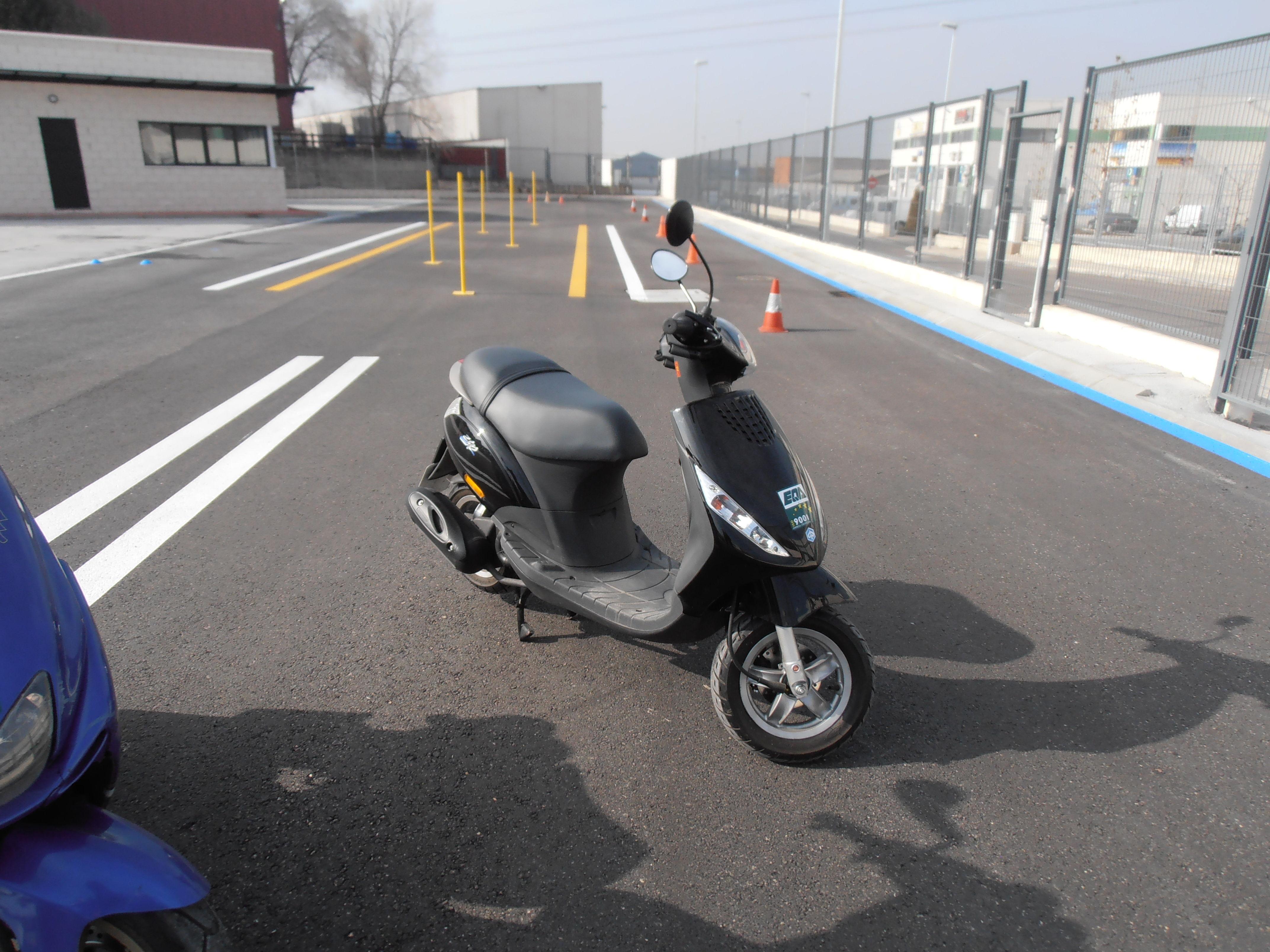 PIAGGIO ZIP 50 cc. - PERMISO AM