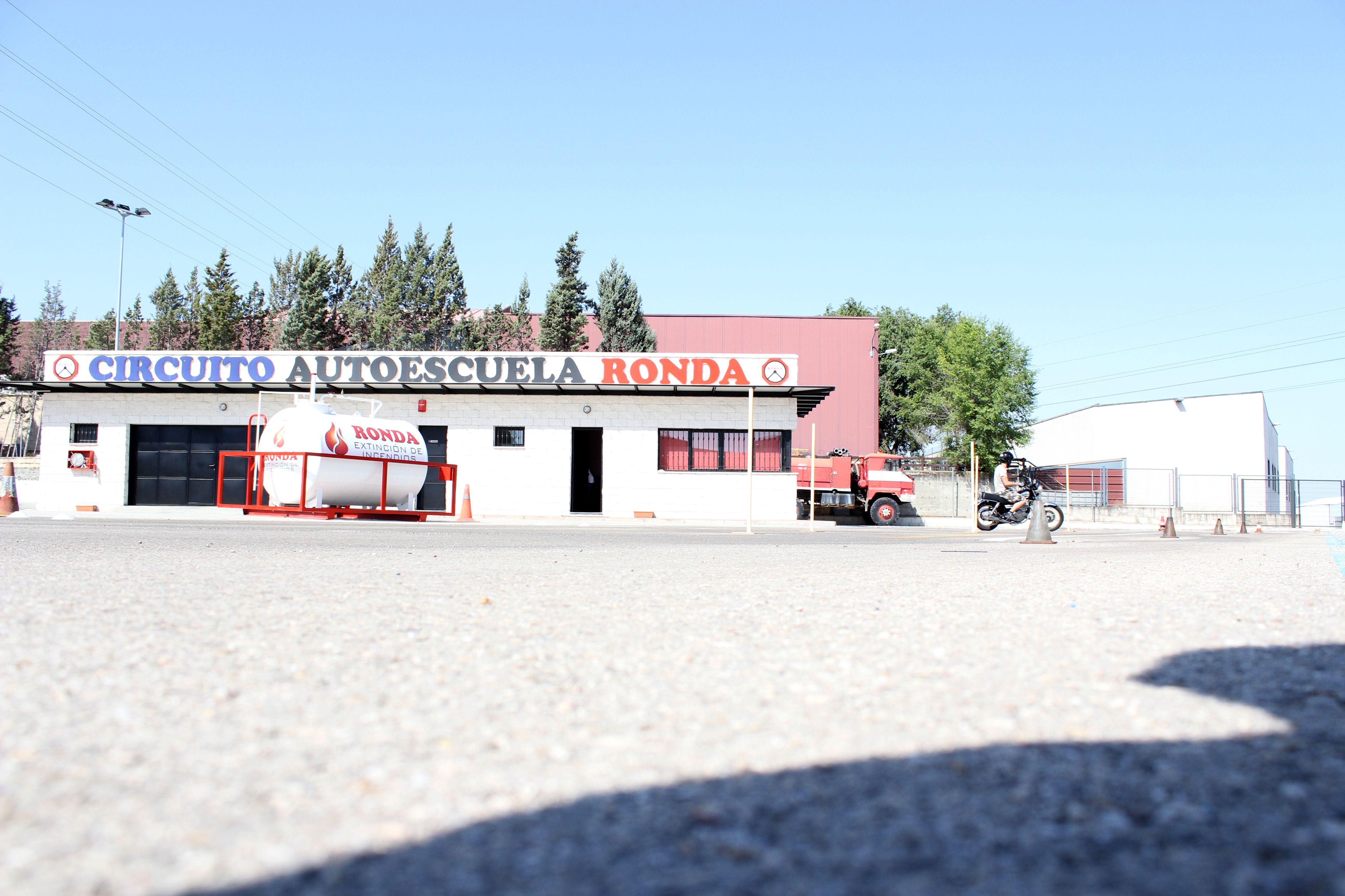 Foto 5 de Autoescuelas en Arganda del Rey | Autoescuela Ronda