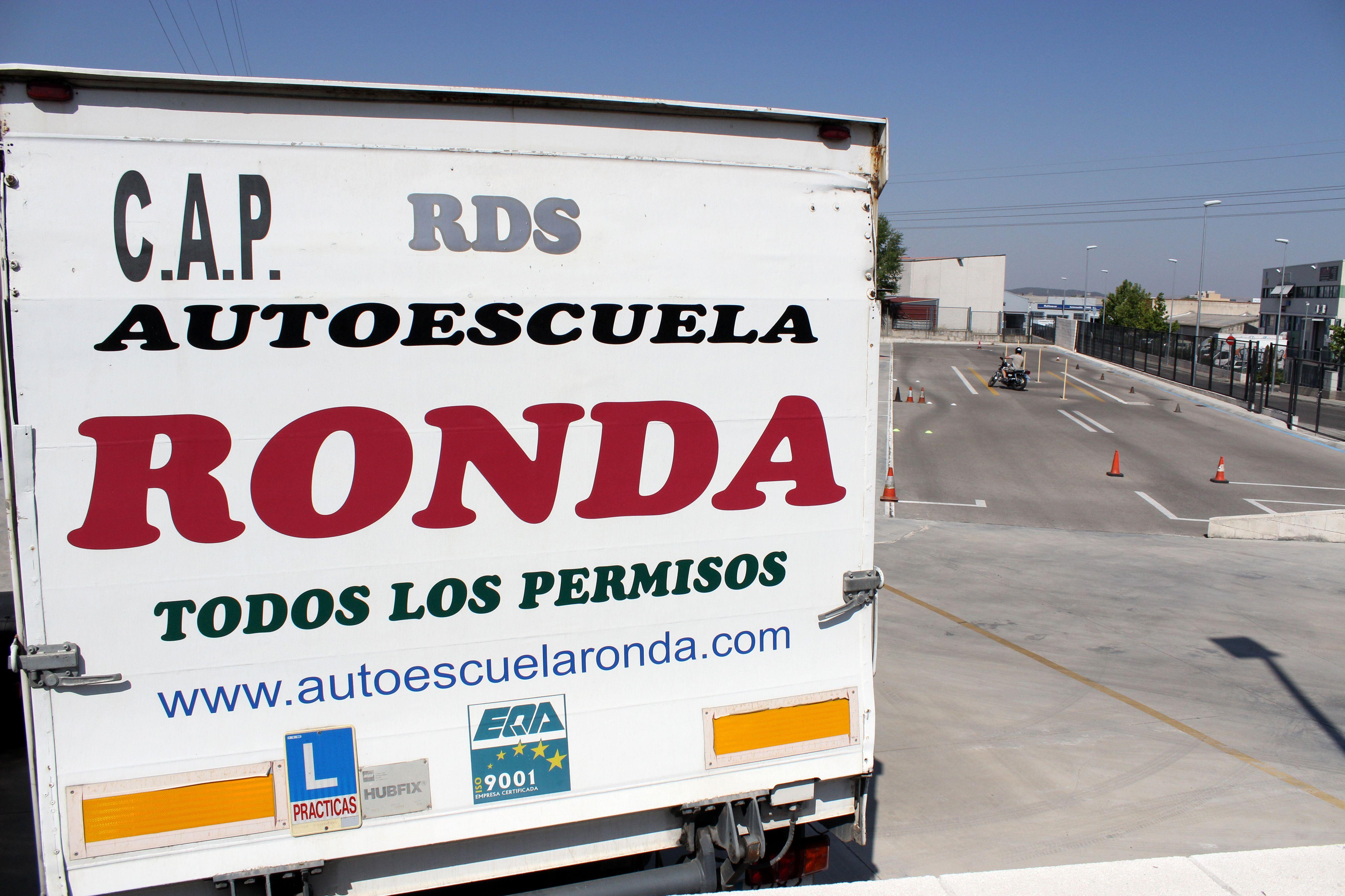 Foto 3 de Autoescuelas en Arganda del Rey | Autoescuela Ronda