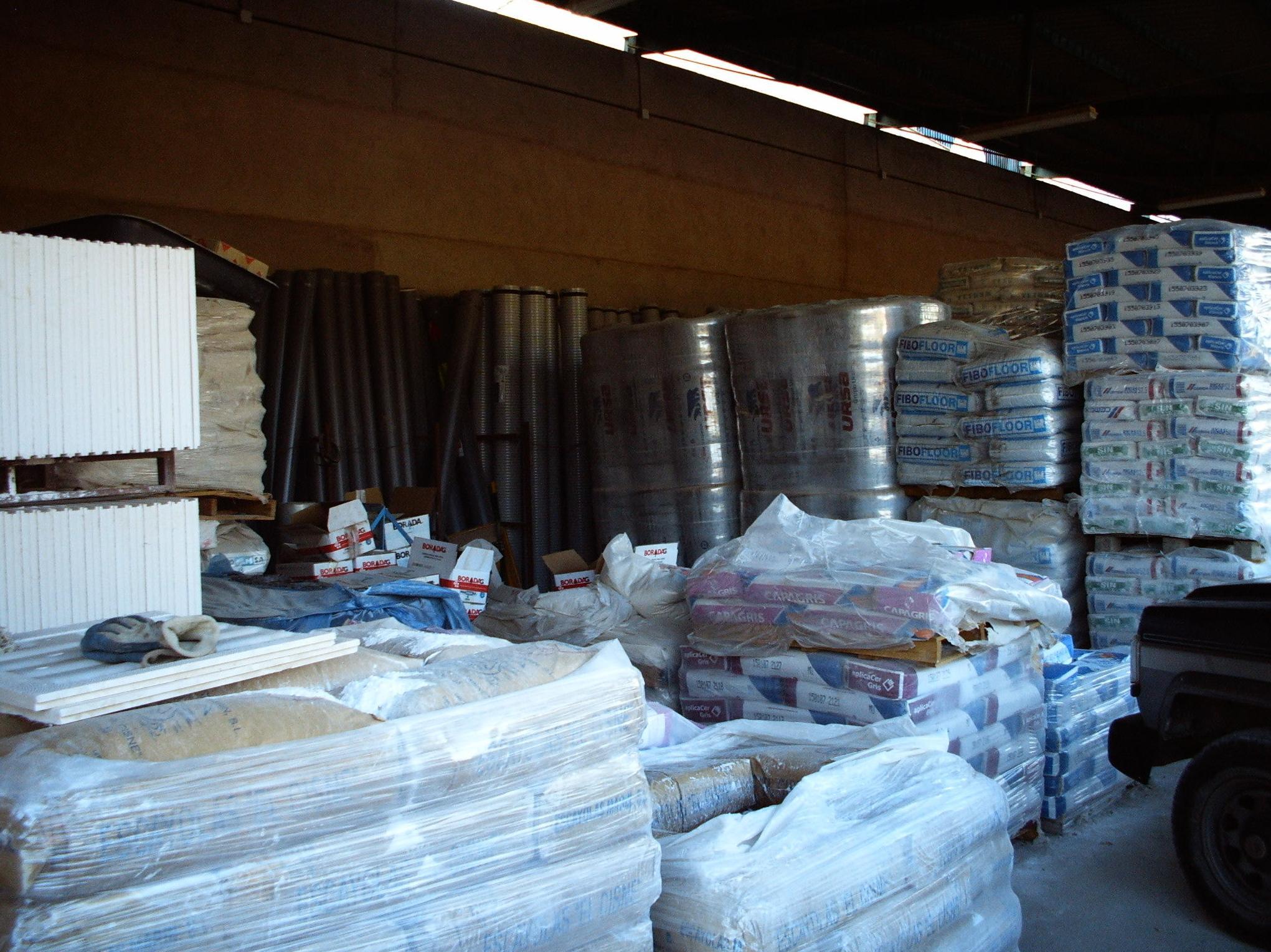 F. Campanero Materiales Construcción, S.L. en Horcajo de Santiago, Cuenca. Almacén