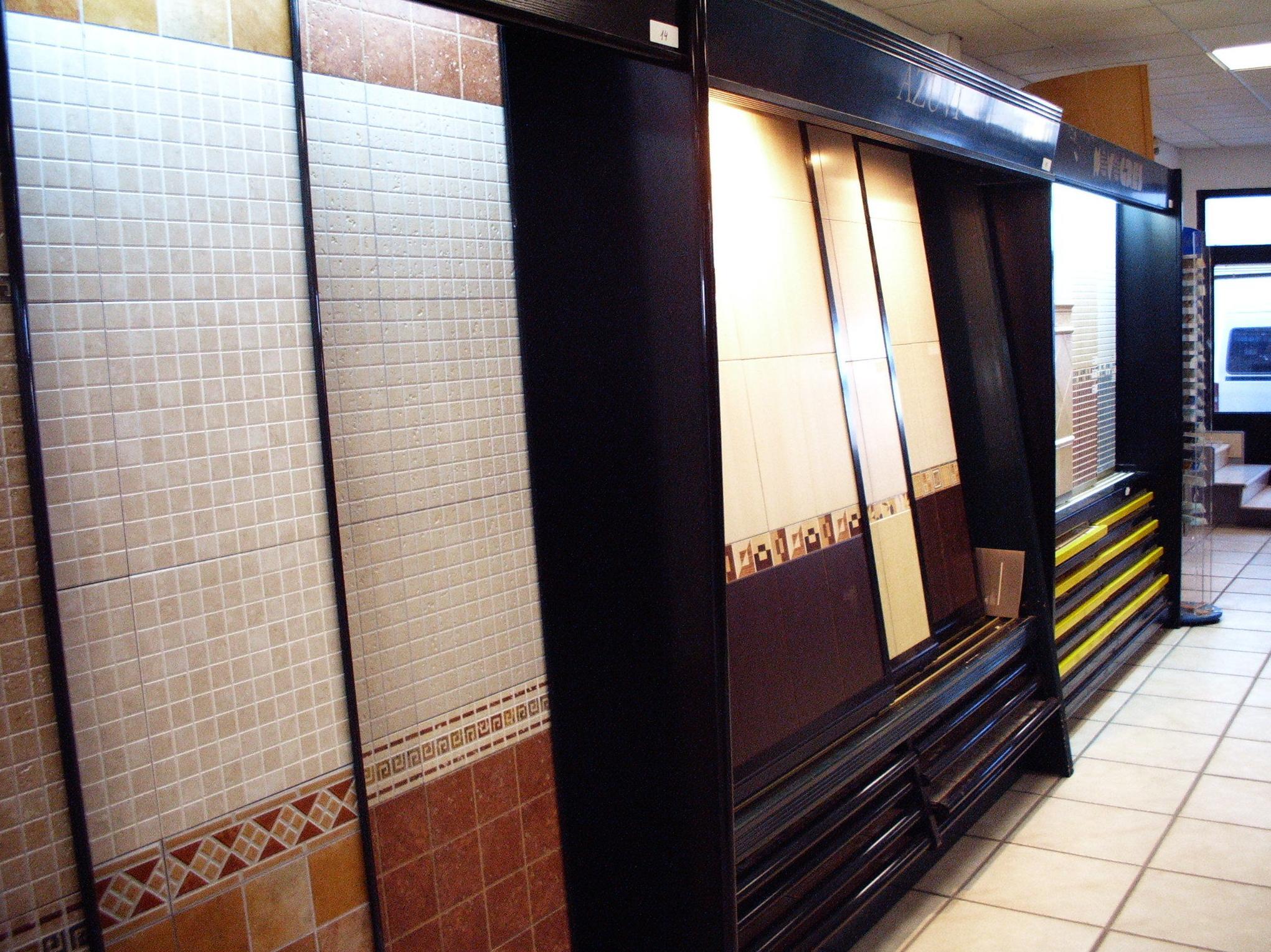 F. Campanero Materiales Construcción, S.L. en Horcajo de Santiago, Cuenca, almacén
