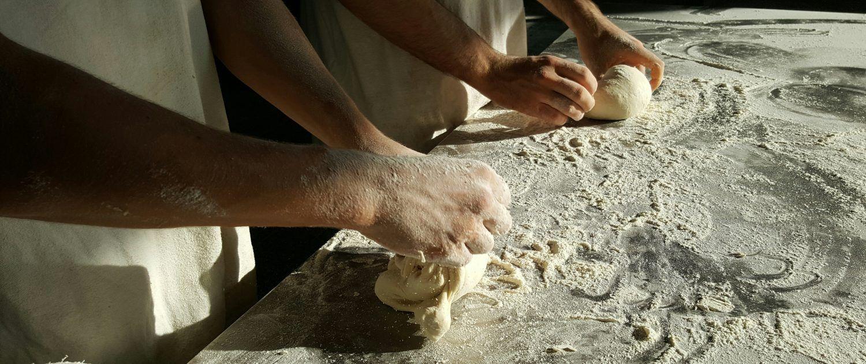 Productos artesanales en panadería situada en Santiago de Compostela