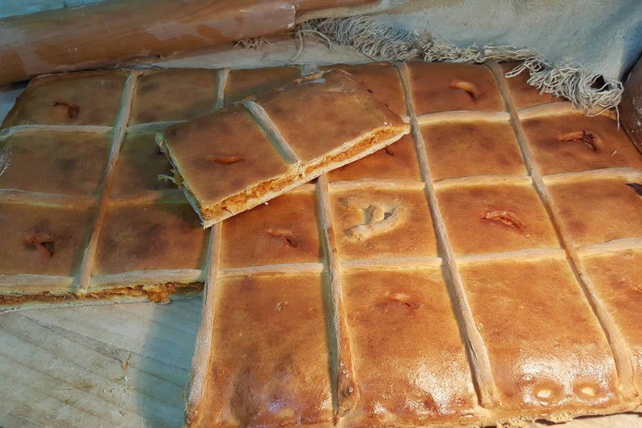 Productos artesanales en panadería situada en Padrón