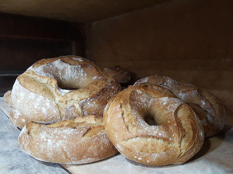 Panadería con productos artesanales en Cacheiras