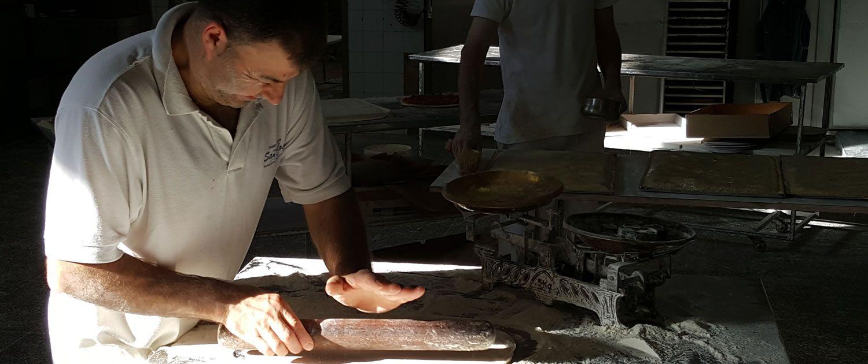 Productos artesanales en panadería situada en Cacheiras