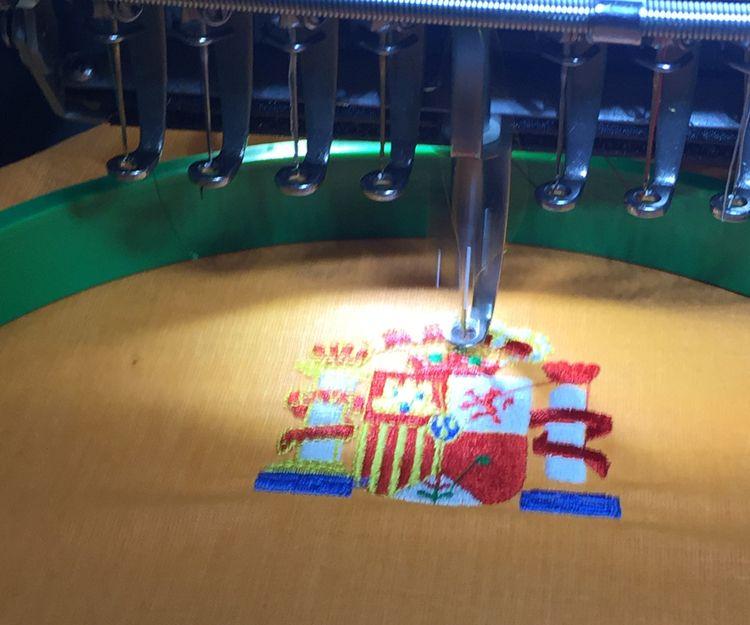 Bordado de escudos en Castellón