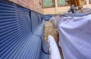Drenaje perimetral en cimentaciones de edificios. Evita la humedad en los bajos, trasteros, garajes...
