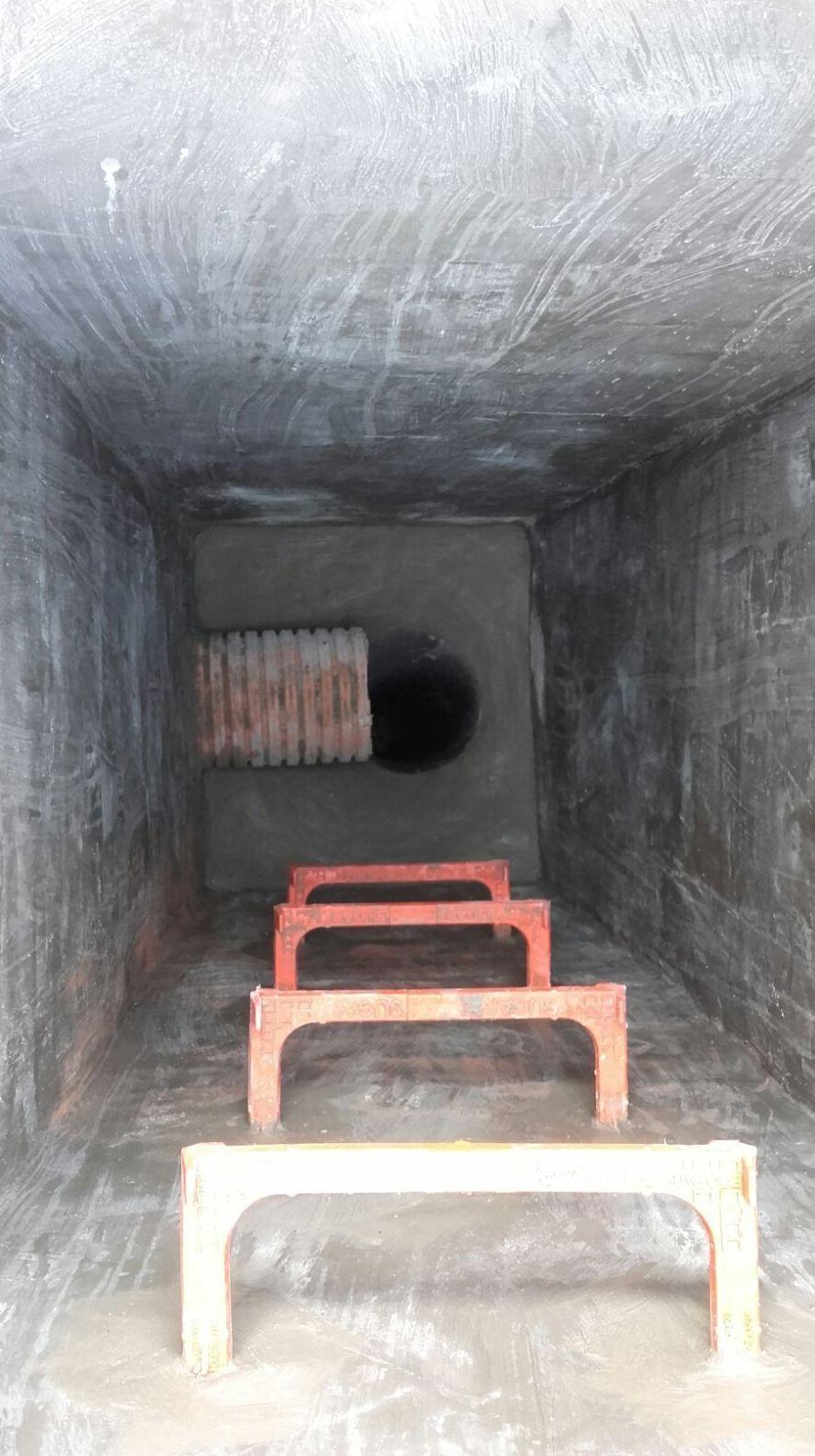 Arqueta trasdos. Se fabrica para evitar el golpe de agua en la base del pozo y su posterior desgaste prematuro