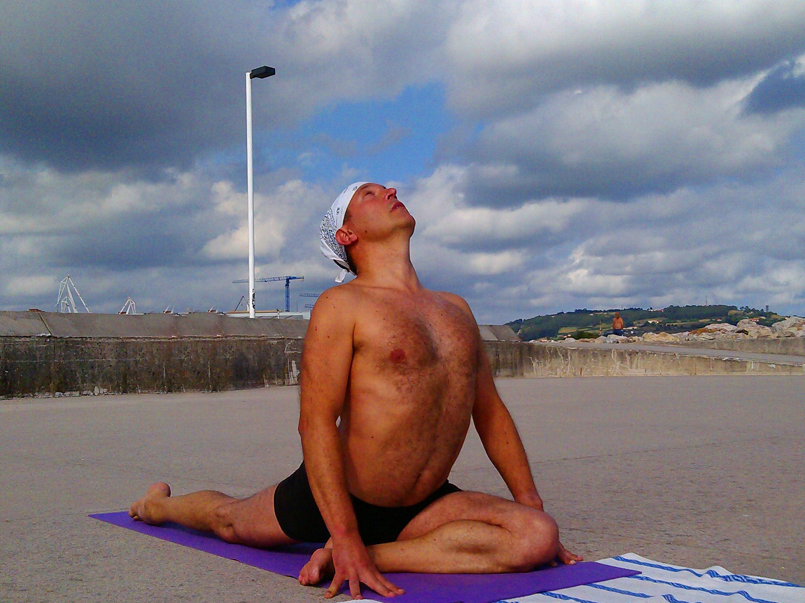 Foto 17 de Centro de yoga en Gijón | Hanuman-Yoga Estudio