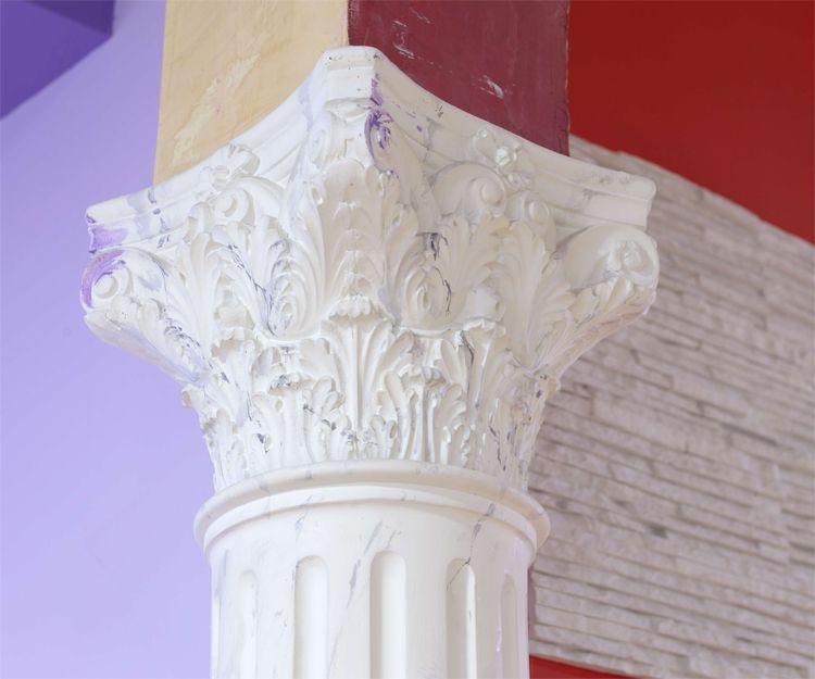 Columna de escayola en Burgos