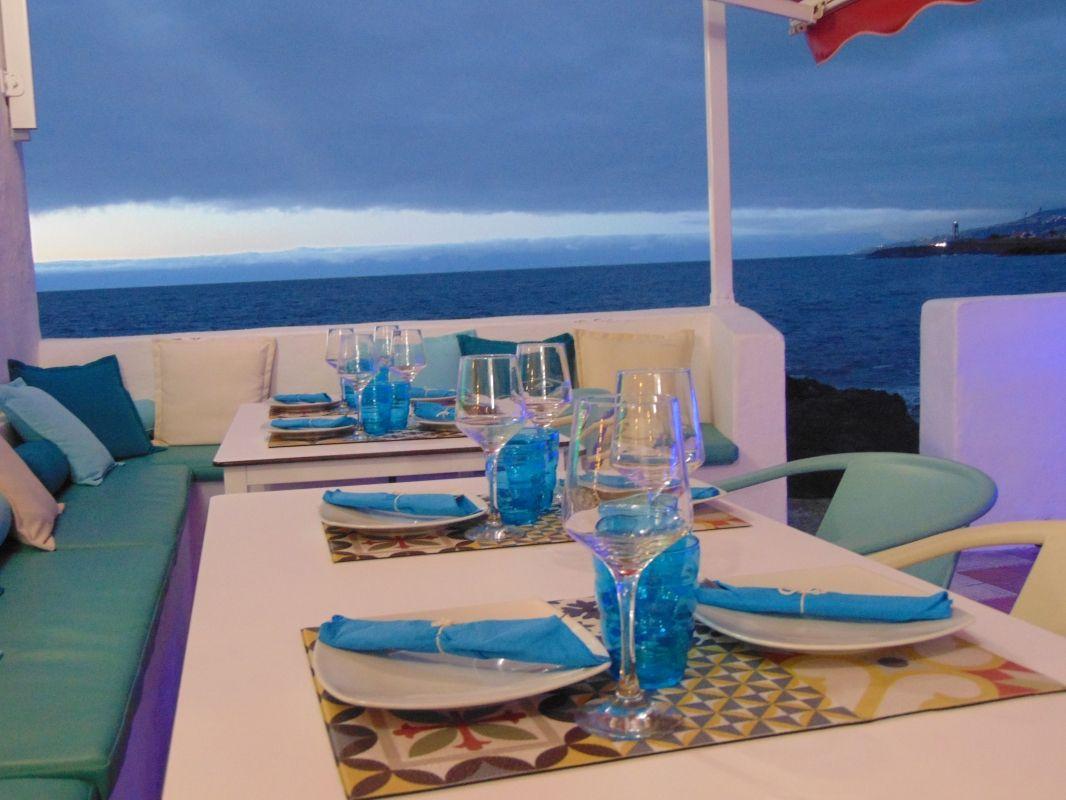 Restaurante con terraza frente al mar en Tenerife
