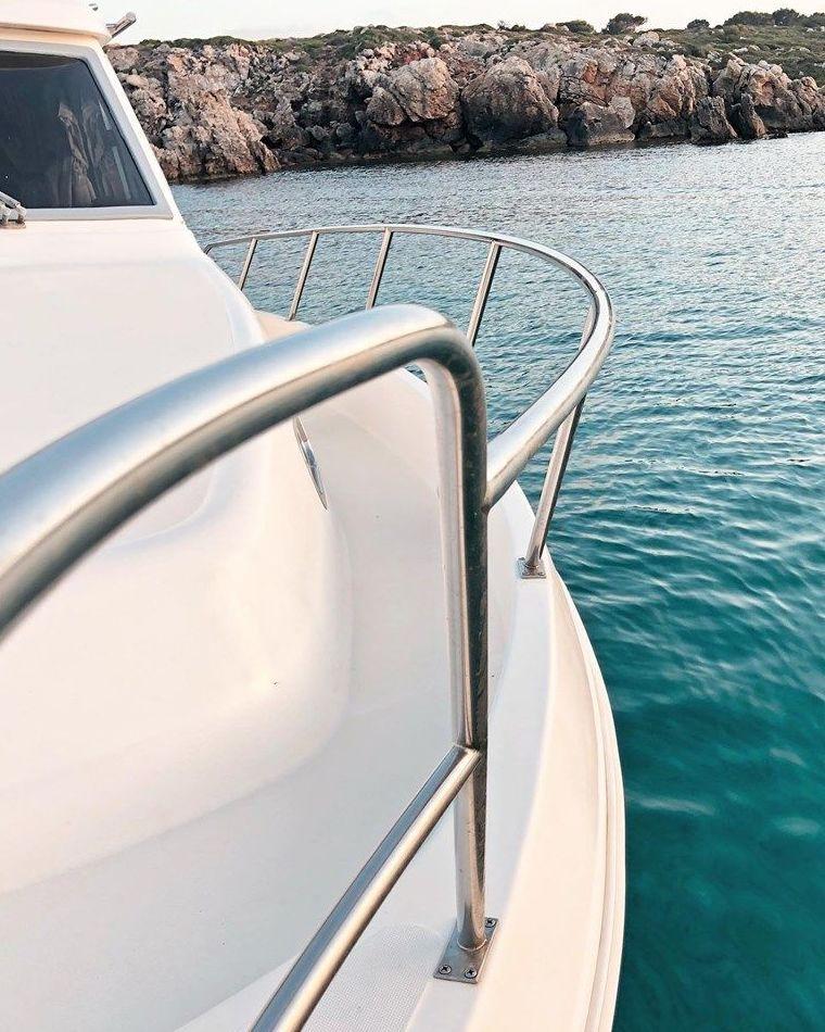 Los mejores fines de semana, se pasan en barco y para ello, te ofrecemos nuestras embarcaciones de alquiler!