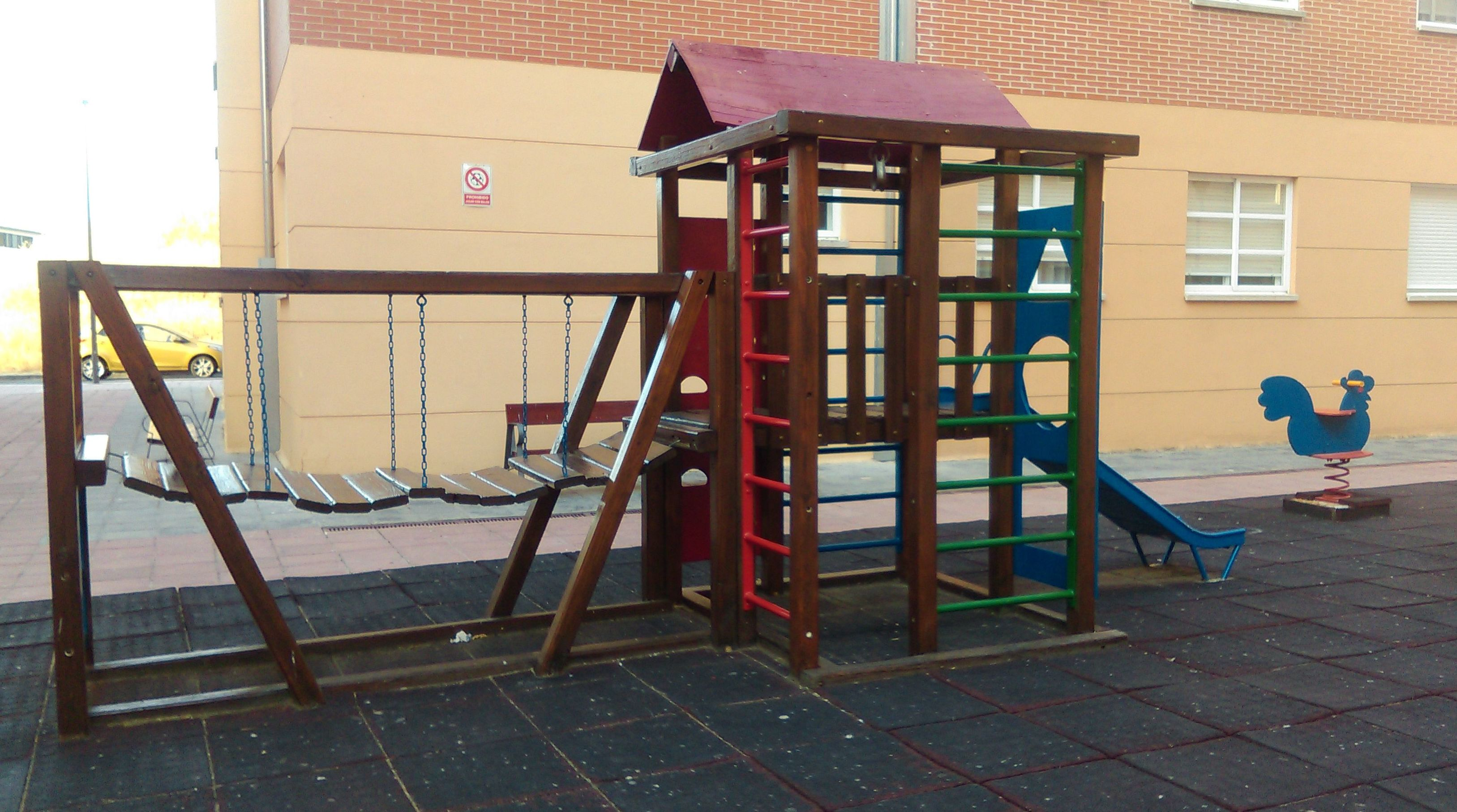 Pintura de parque infantil en Valladolid