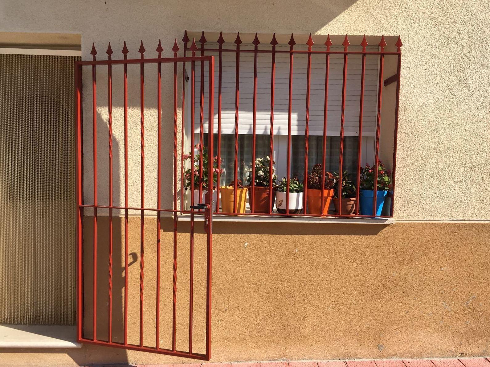 Pintura de rejas y fachadas