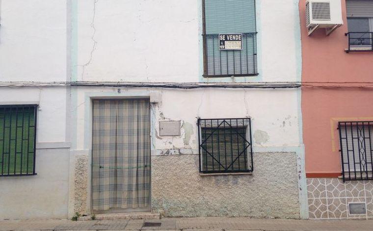 Venta de casa muy económica como solar: Inmuebles de Inmobiliaria Minerva