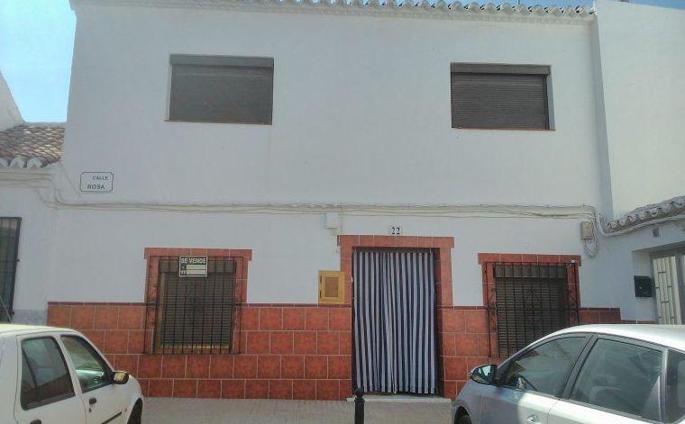 venta de casa tradicional en calle Rosa: Inmuebles de Inmobiliaria Minerva