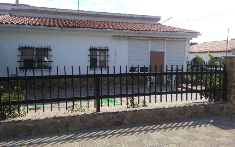 Chalet en Avenida Juan Carlos I, 20: Inmuebles Urbanos de ANTONIO ARAGONÉS DÍAZ PAVÓN