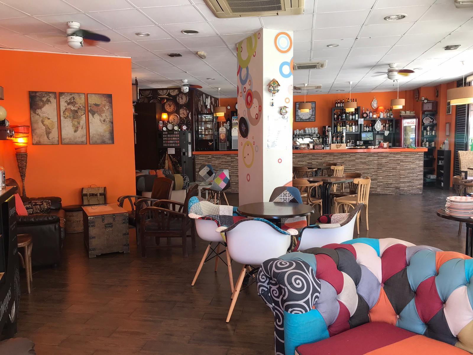 Foto 6 de Restaurante en Valencia | Cafetería Tosteria O´Clock