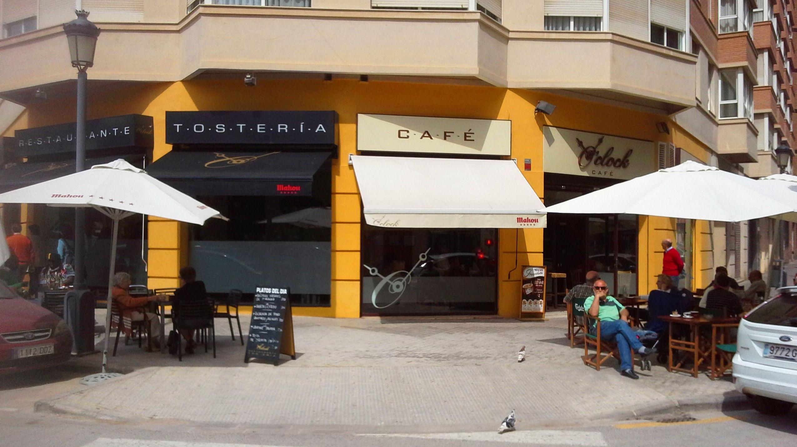 Foto 46 de Restaurante en Valencia | Cafetería Tosteria O´Clock