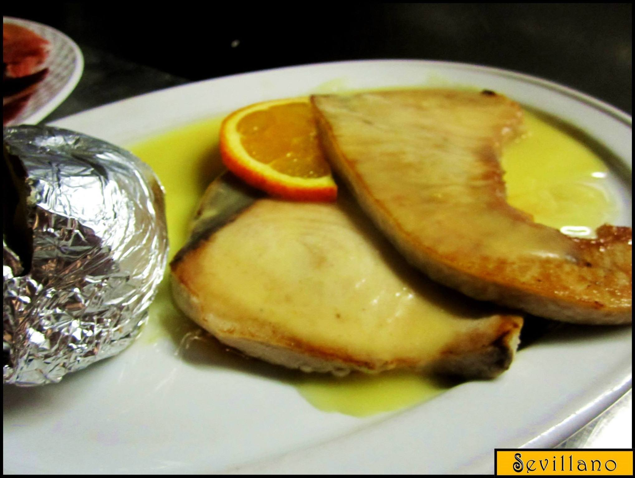 Swordfish in orange sauce