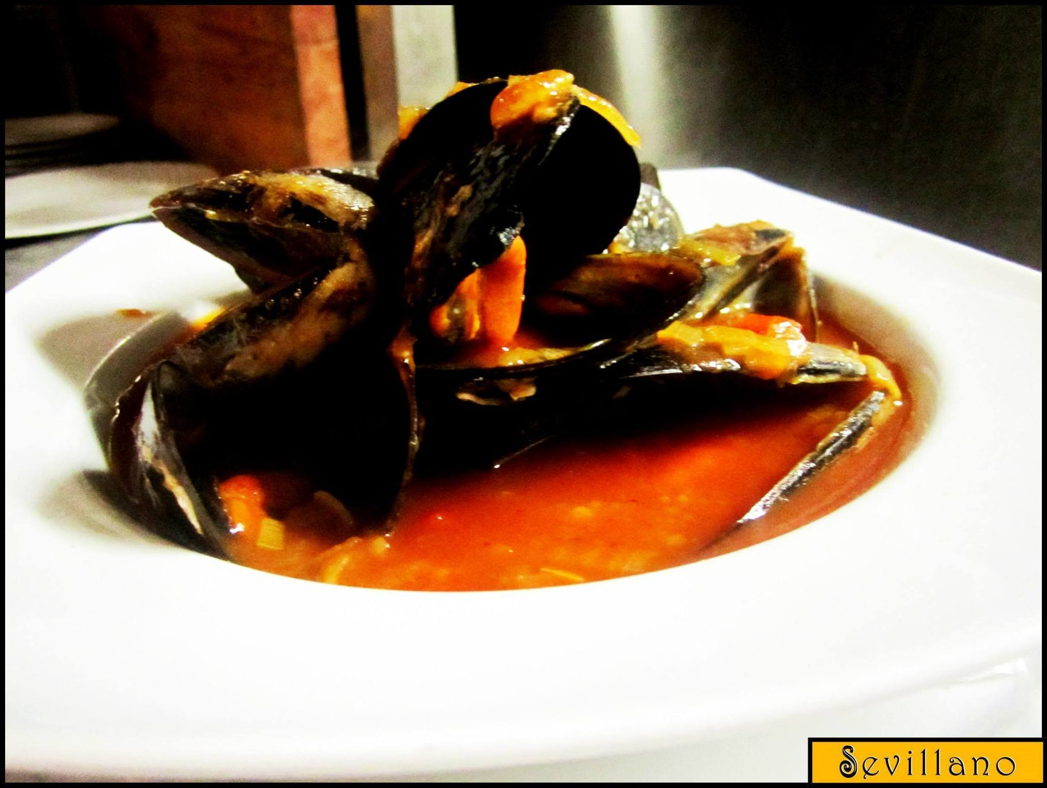 Marinara mussels with tomatoes