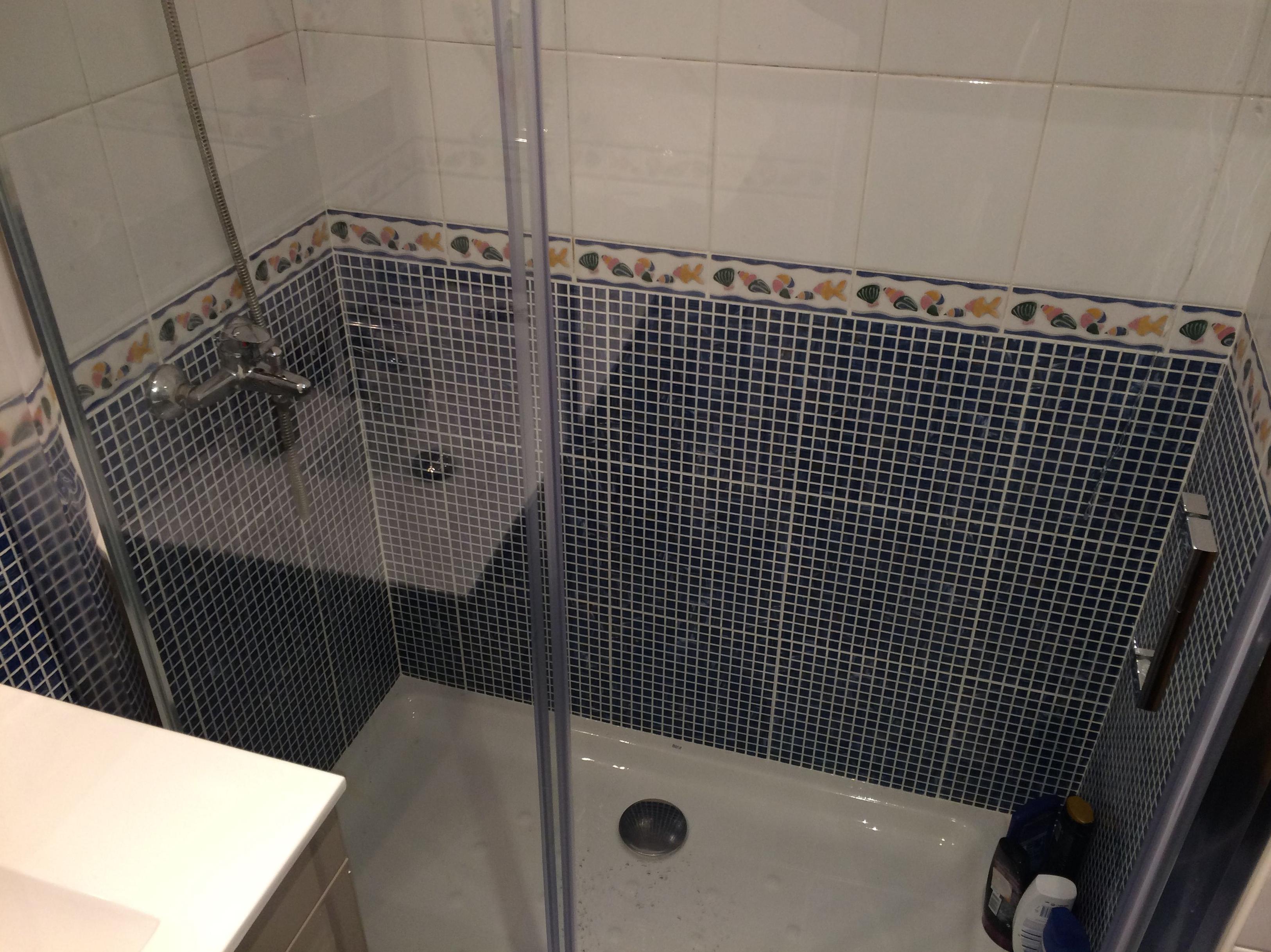 Cambio de bañera por plato de ducha \u002D mampara Torvisco modelo NIZA