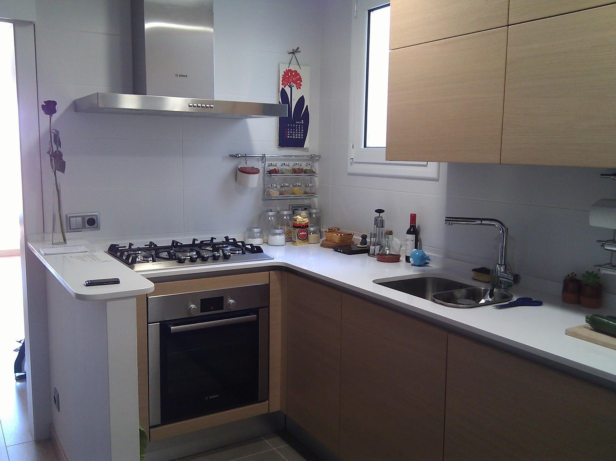 Instalar campana extractor en cocina servicios y productos de instal lacions davelor - Campanas para cocinas ...