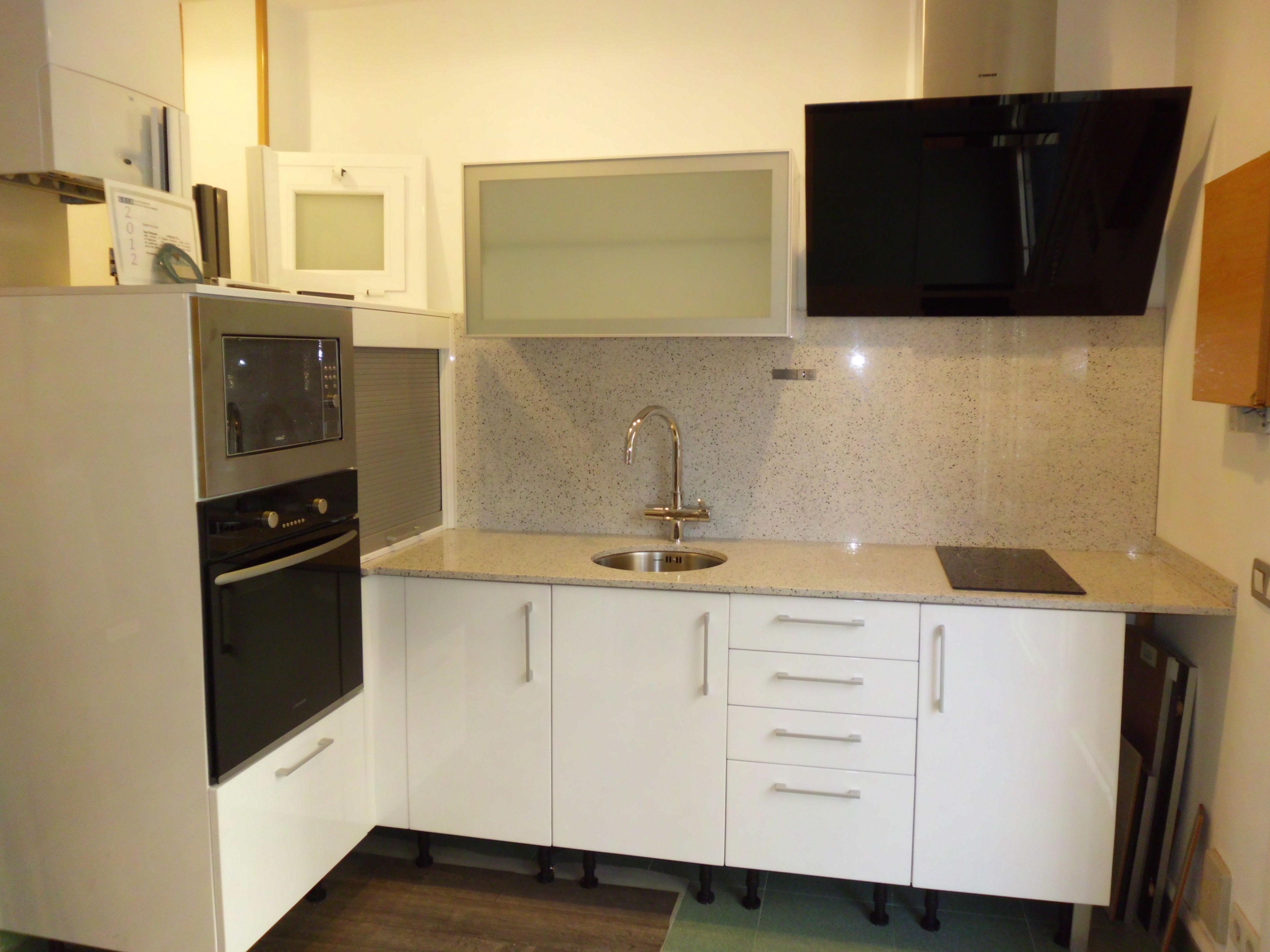 Oferta muebles cocina eixample servicios y productos de for Oferta muebles cocina
