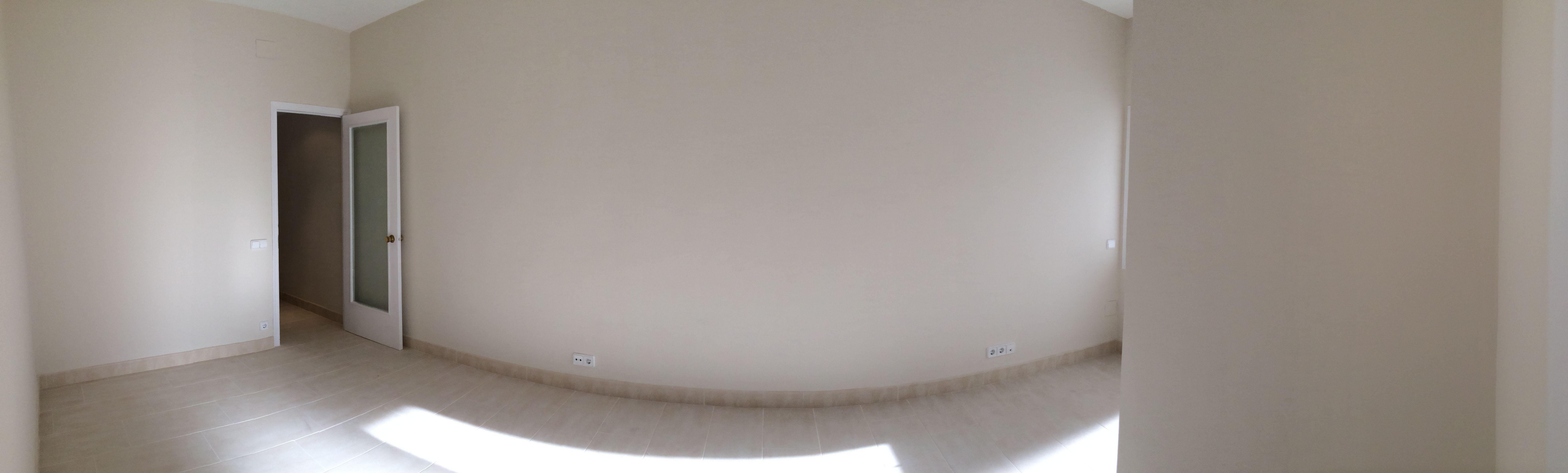 Reforma económica de un piso \u002D enladrillado y pintura